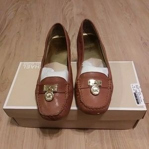 ***PRICE DROP*** MK leather loafers
